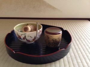 滋賀県大津市、草津市の茶道教室、「初めての表茶道」です。入会金なし、無料体験あります。お気軽にお問い合わせください。